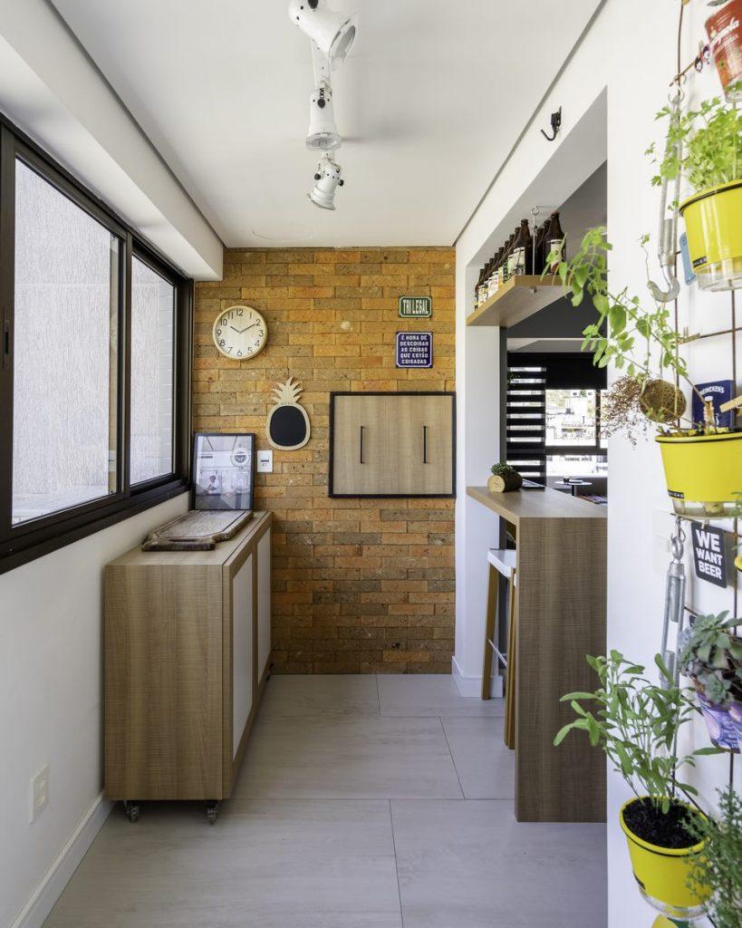 Una casa de playa en un departamento de ciudad por W4 Arquitetura 7
