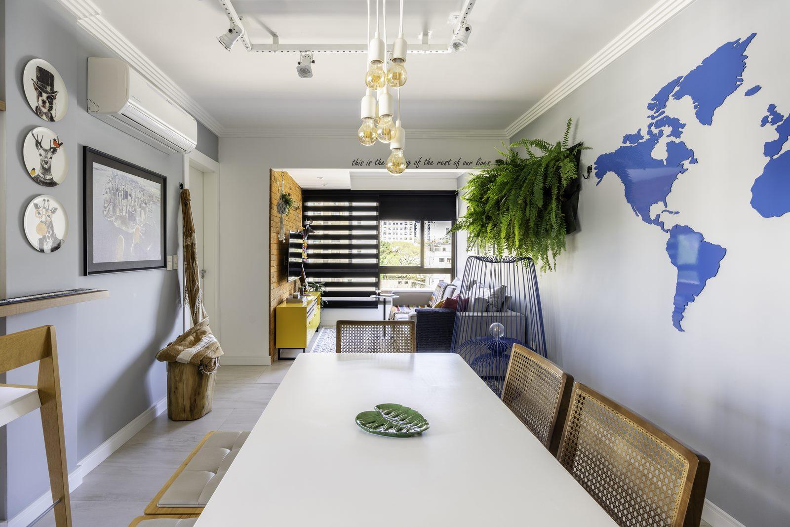 Una casa de playa en un departamento de ciudad por W4 Arquitetura 31