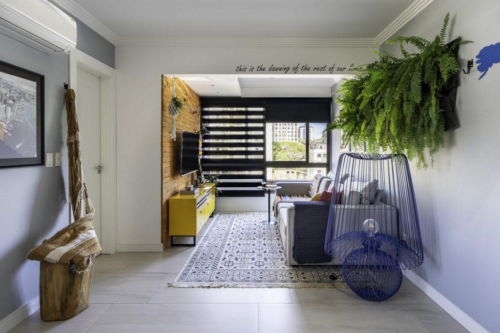 Una casa de playa en un departamento de ciudad por W4 Arquitetura 4