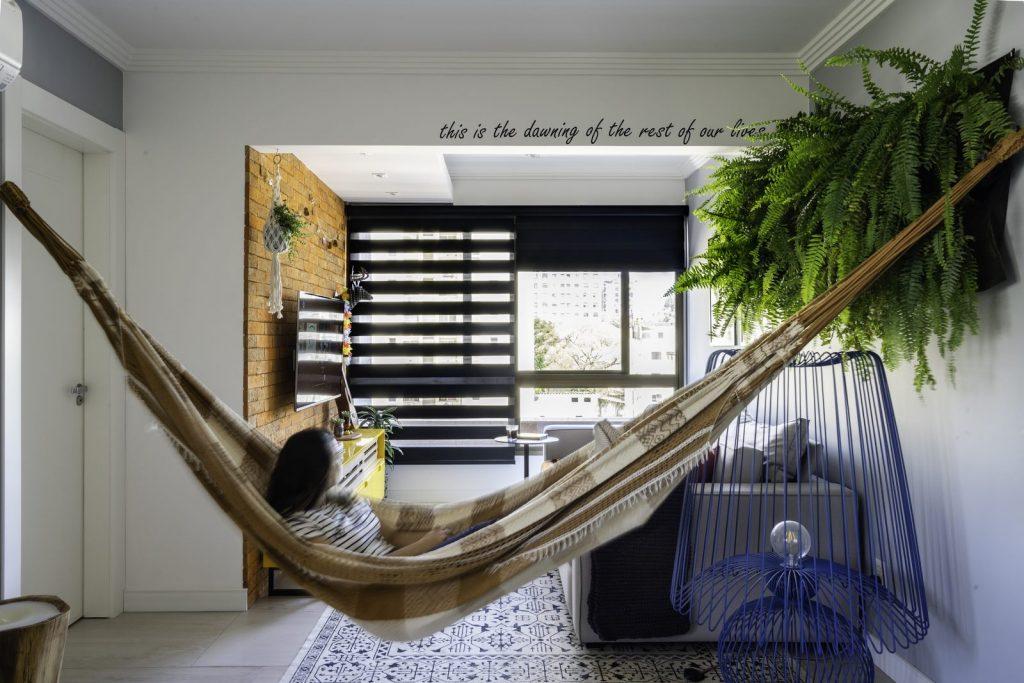 Una casa de playa en un departamento de ciudad por W4 Arquitetura 9