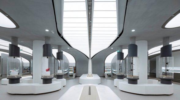 Librería E Pang, humana y futurista 18