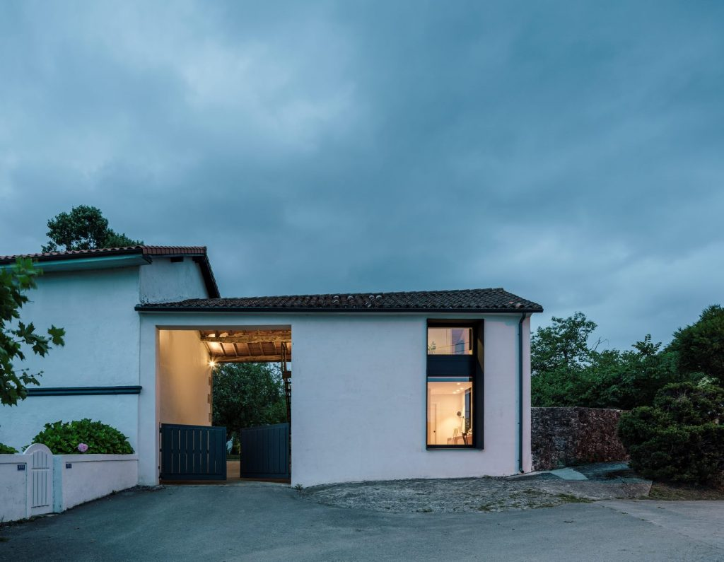 Vivienda en Güemes, reconversión de un establo en vivienda 31