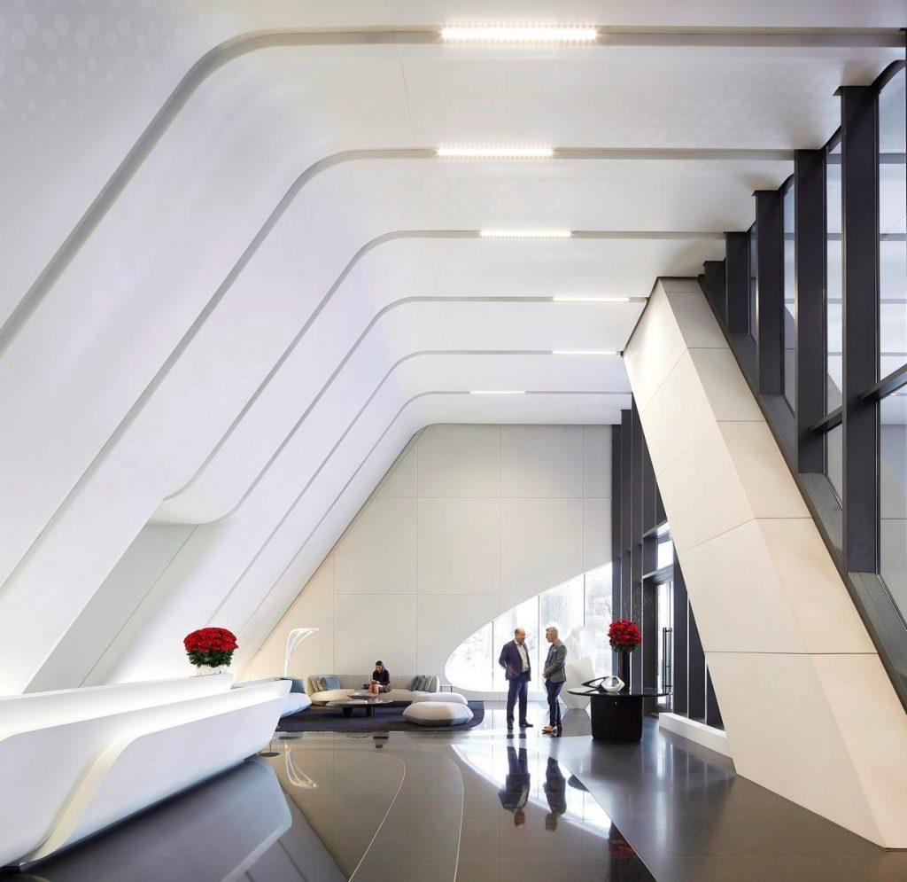 Fluidez entre arquitectura e ingeniería en las curvas de One Thousand Museum 14