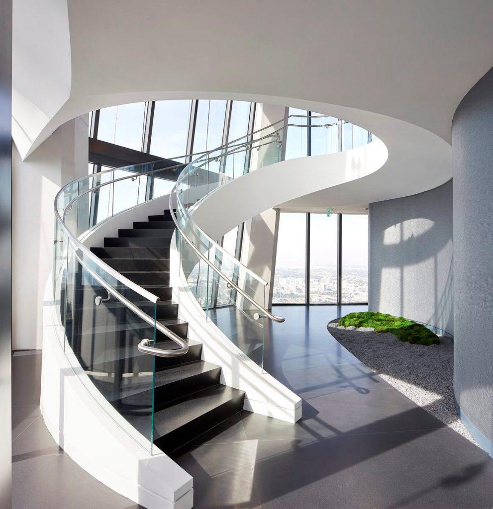 Fluidez entre arquitectura e ingeniería en las curvas de One Thousand Museum 15