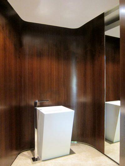 LakeHouse_Int_206-HR_Bathroom_001_sa_HR