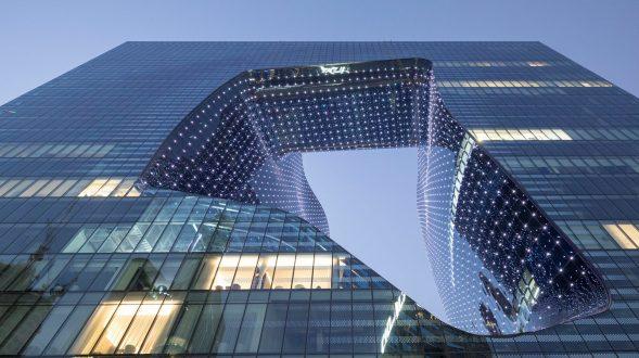 """Finalmente se completó """"ME Dubai hotel en el Opus"""". Un proyecto 100% diseño de Zaha Hadid. 2"""