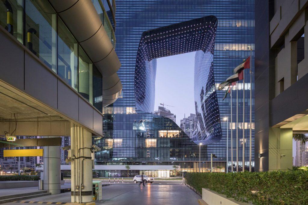 """Finalmente se completó """"ME Dubai hotel en el Opus"""". Un proyecto 100% diseño de Zaha Hadid. 4"""