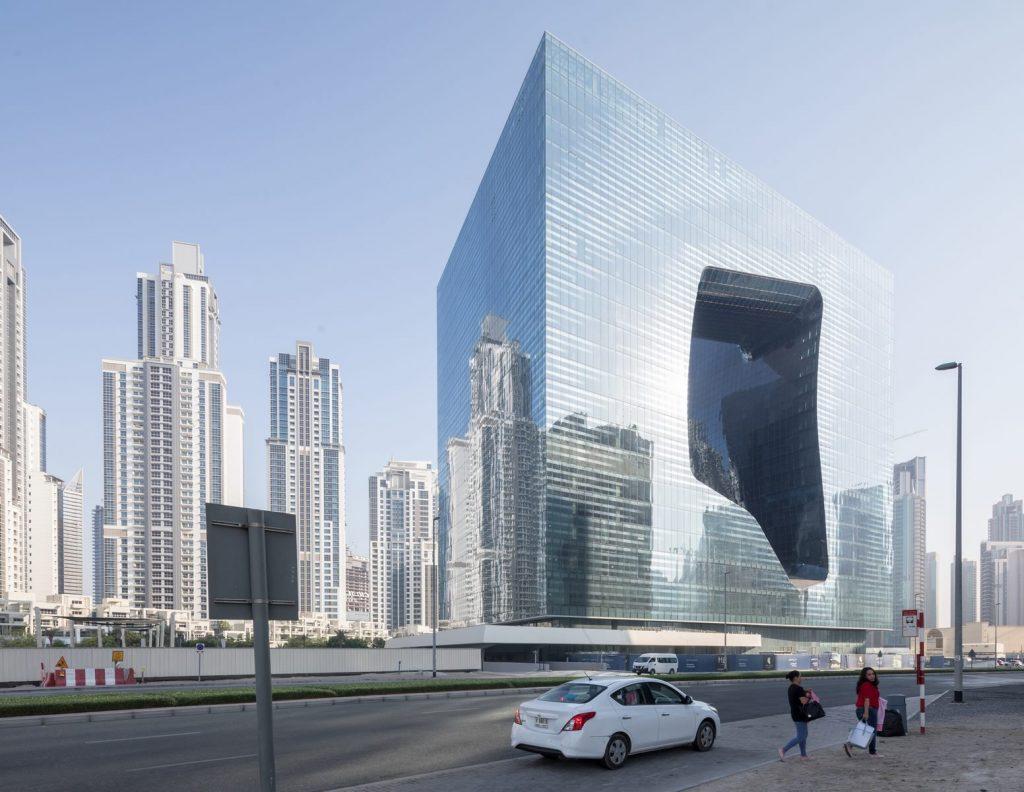 """Finalmente se completó """"ME Dubai hotel en el Opus"""". Un proyecto 100% diseño de Zaha Hadid. 7"""