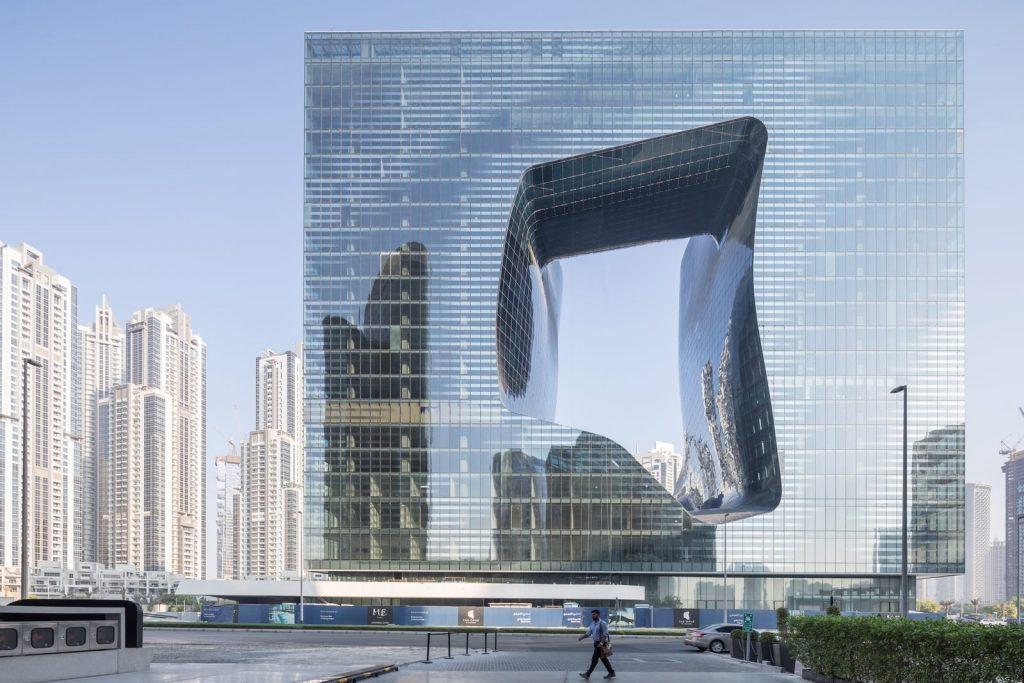 """Finalmente se completó """"ME Dubai hotel en el Opus"""". Un proyecto 100% diseño de Zaha Hadid. 6"""
