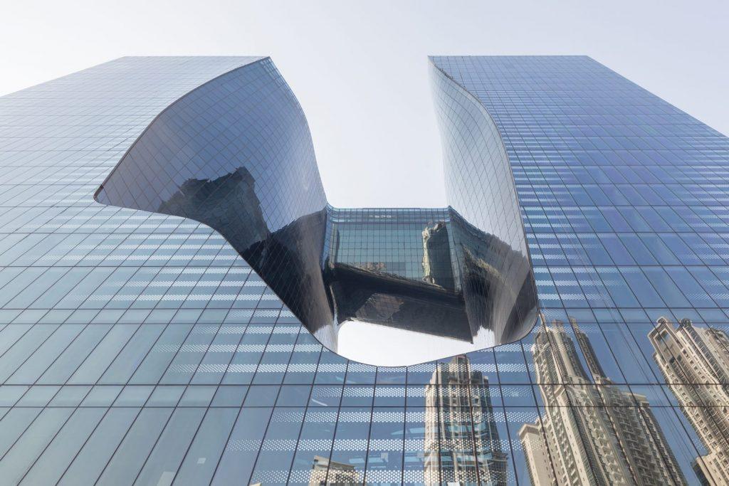 """Finalmente se completó """"ME Dubai hotel en el Opus"""". Un proyecto 100% diseño de Zaha Hadid. 5"""