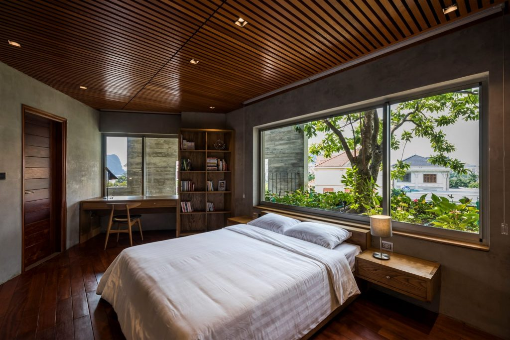 Ha Long Villa alberga la naturaleza en su interior 21