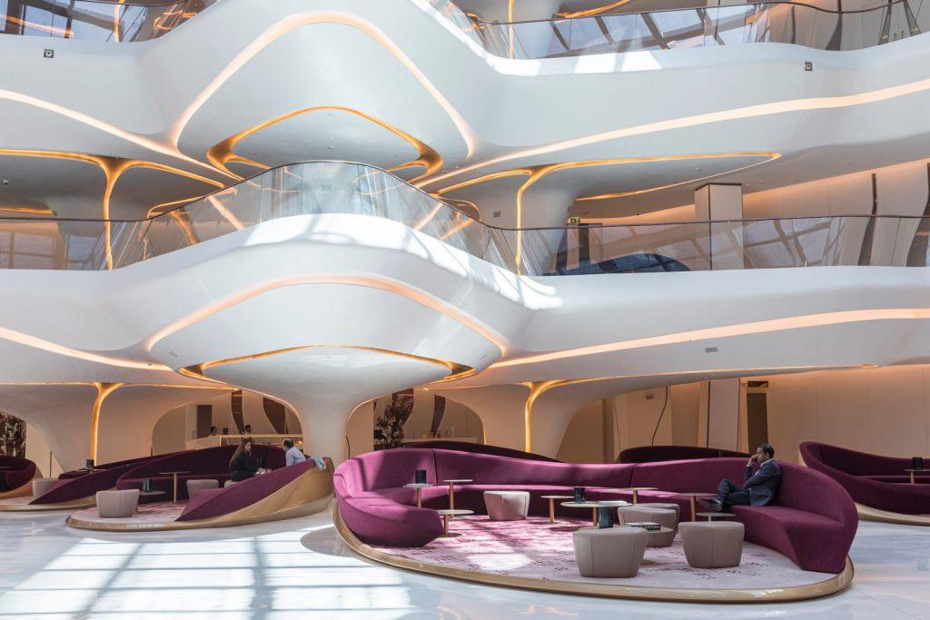 """Finalmente se completó """"ME Dubai hotel en el Opus"""". Un proyecto 100% diseño de Zaha Hadid. 16"""