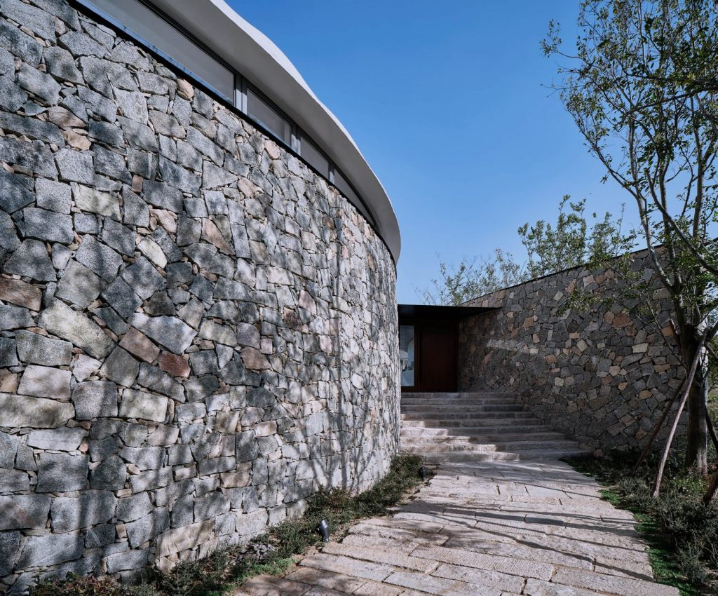 Estudio de Jiunvfeng como una nube suspendida en el Monte Tai / gad · line + studio 15