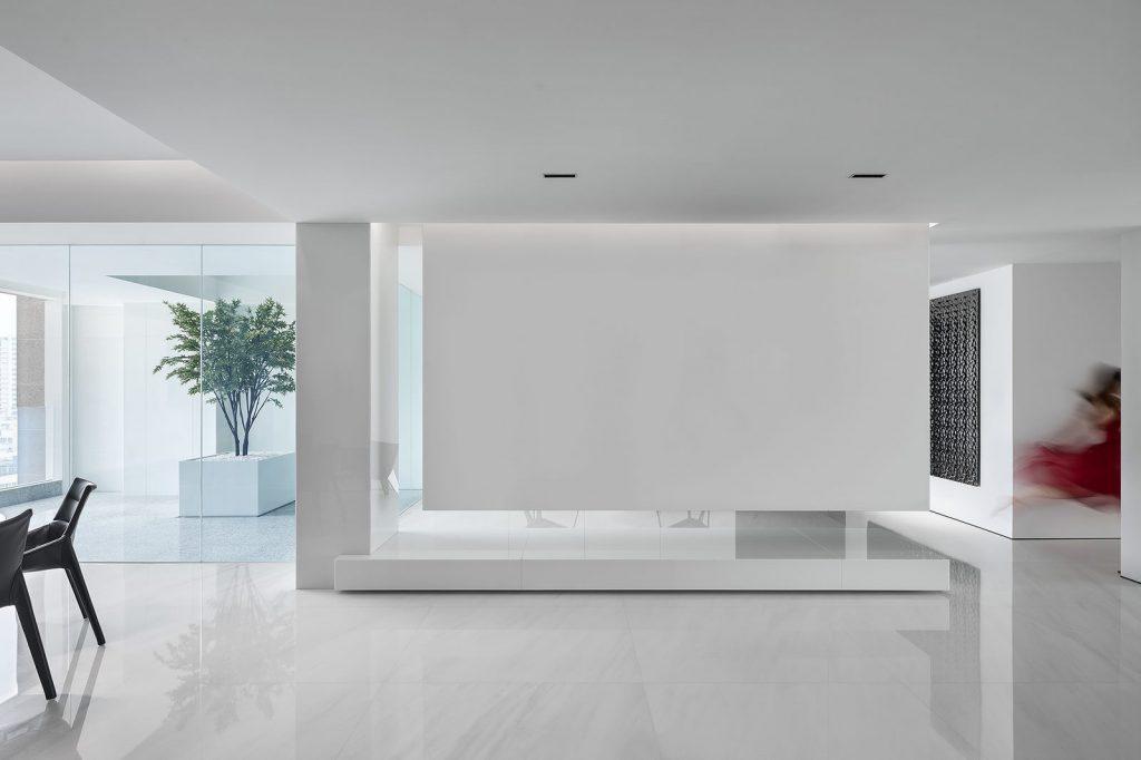 Una casa geométrica minimalista 8