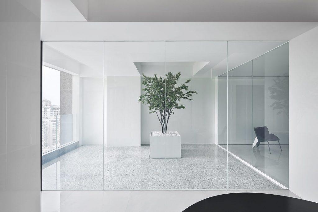 Una casa geométrica minimalista 9