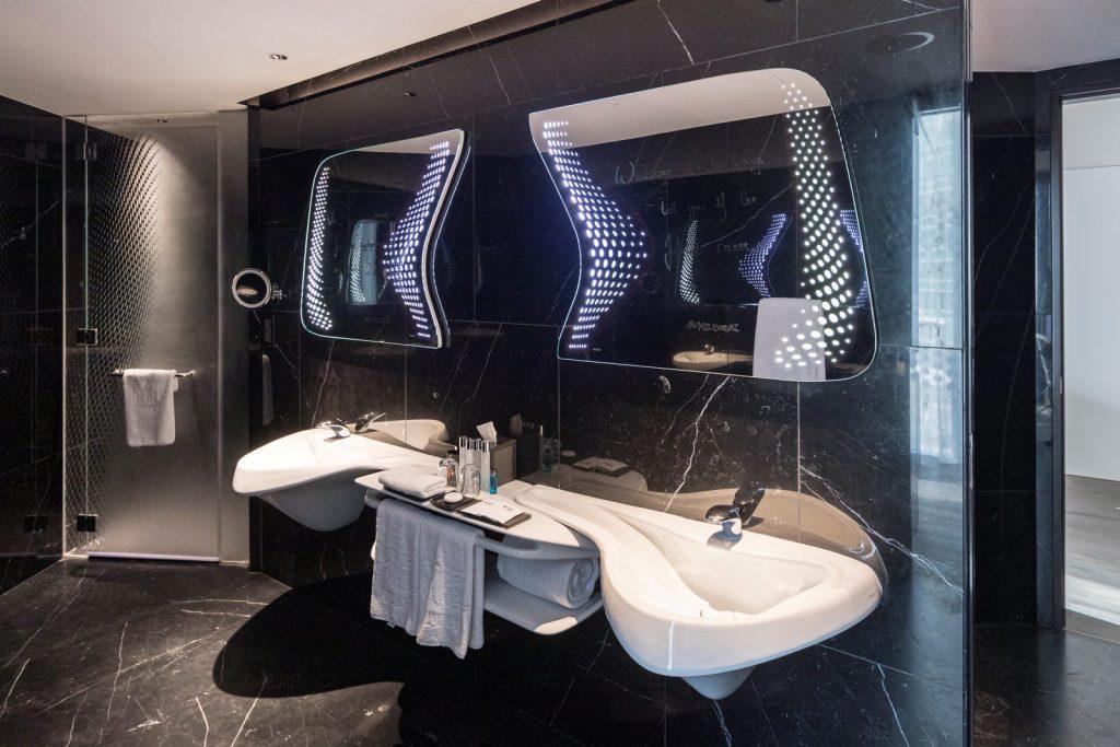 """Finalmente se completó """"ME Dubai hotel en el Opus"""". Un proyecto 100% diseño de Zaha Hadid. 22"""