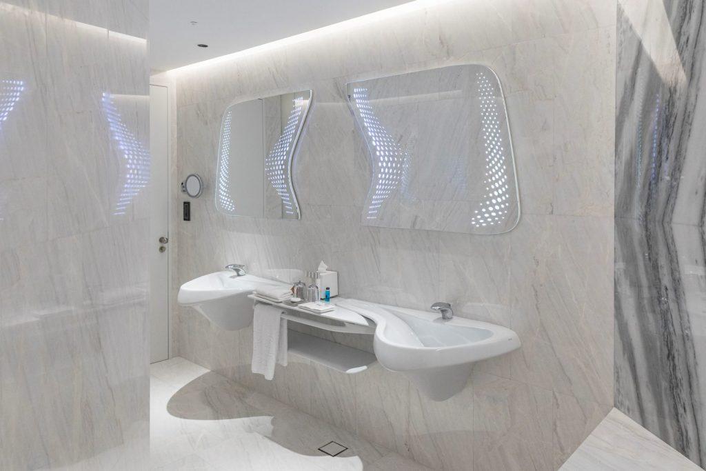 """Finalmente se completó """"ME Dubai hotel en el Opus"""". Un proyecto 100% diseño de Zaha Hadid. 24"""
