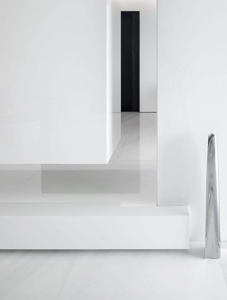 Una casa geométrica minimalista 11