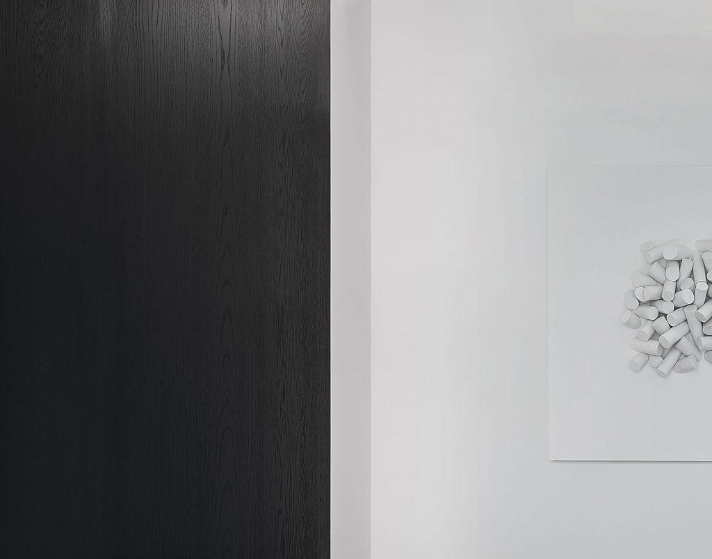 Una casa geométrica minimalista 14