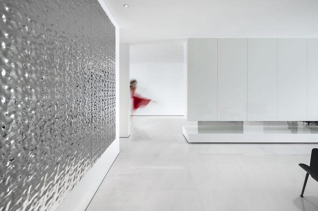 Una casa geométrica minimalista 17