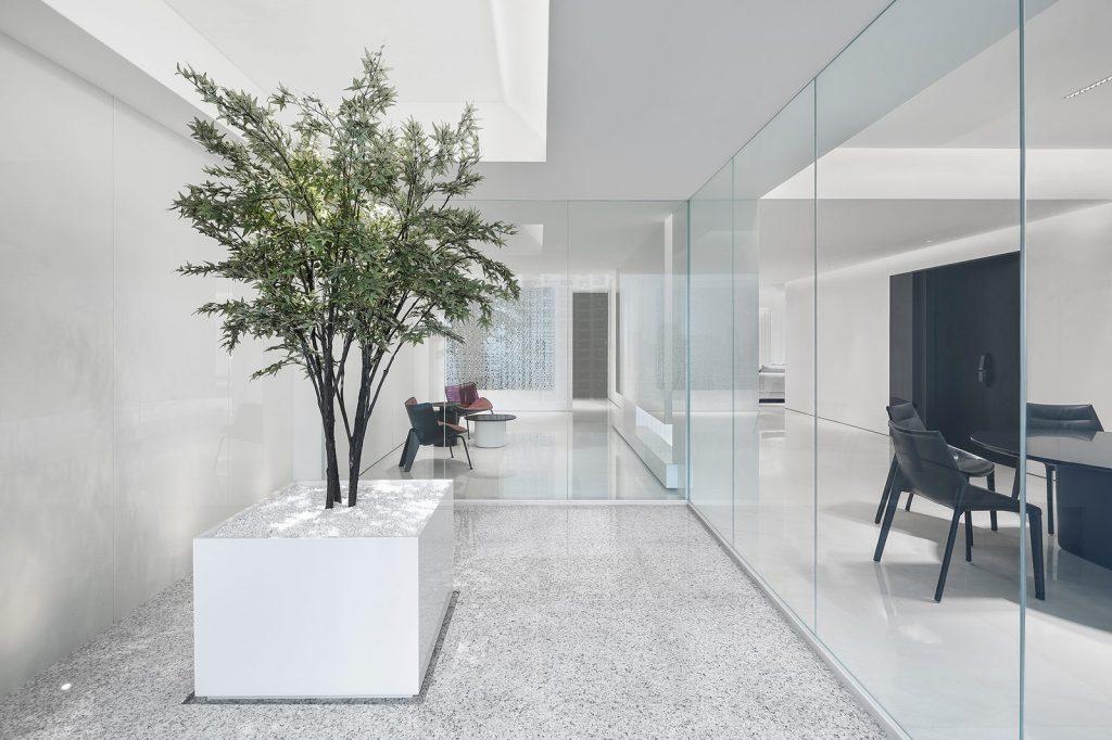 Una casa geométrica minimalista 23