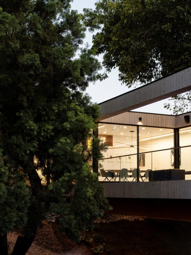 """La """"Casa del Puente"""" 32"""