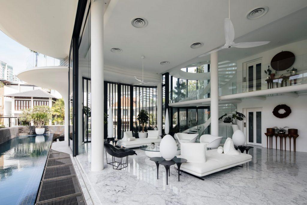 Con las curvas y sensualidad femenina EHKA STUDIO diseñó Stiletto House 14