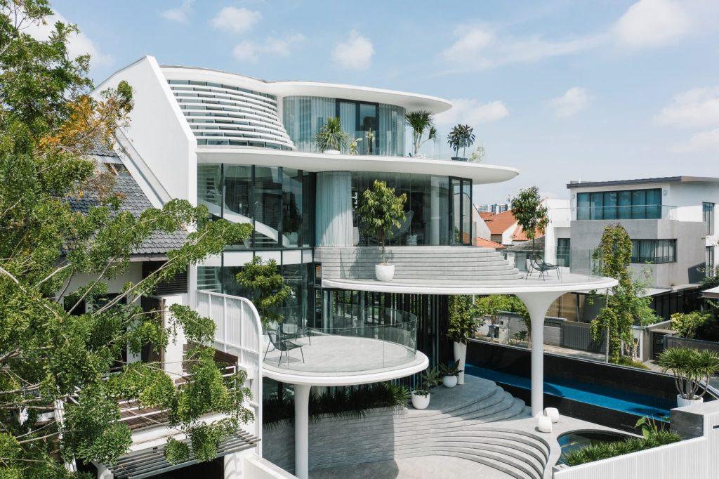 Con las curvas y sensualidad femenina EHKA STUDIO diseñó Stiletto House 2