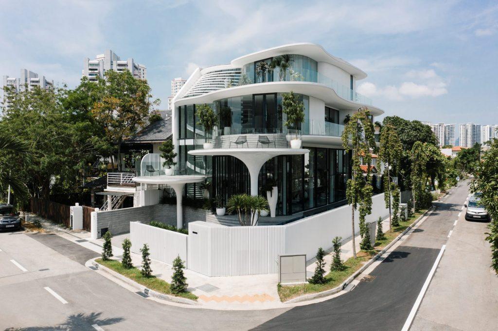 Con las curvas y sensualidad femenina EHKA STUDIO diseñó Stiletto House 3