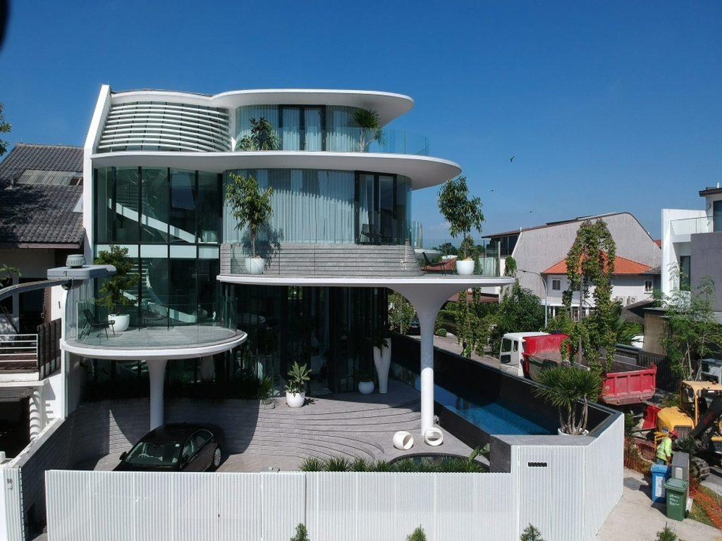 Con las curvas y sensualidad femenina EHKA STUDIO diseñó Stiletto House 28