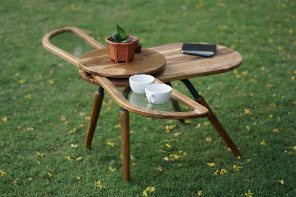 Una mesa que abre sus alas para servir café 2