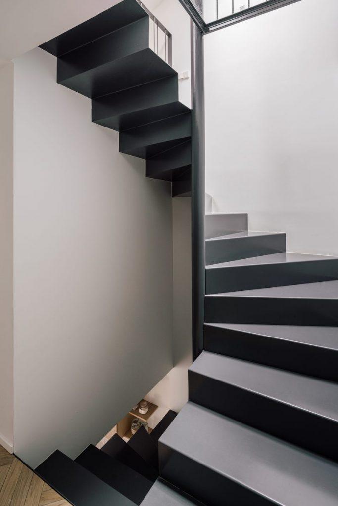 Una escalera integradora y protagonista en esta vivienda en Madrid 10