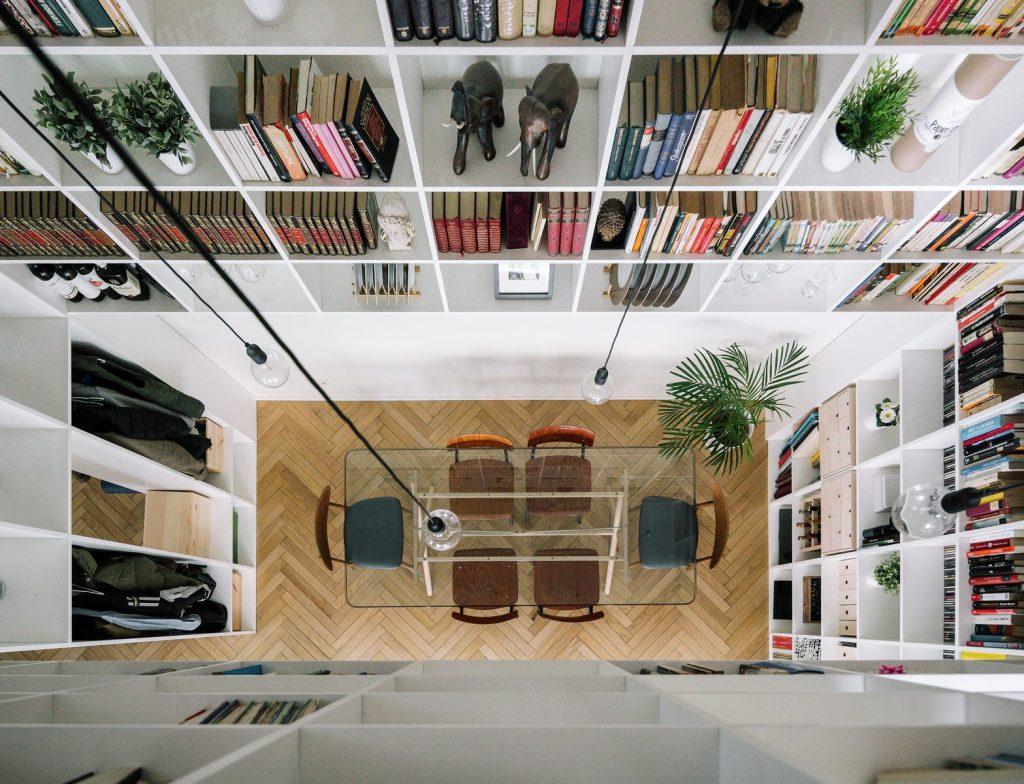 Una escalera integradora y protagonista en esta vivienda en Madrid 3
