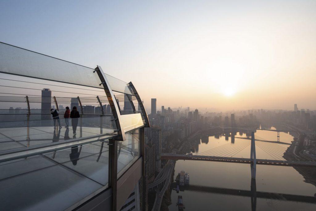 Una torre de Cristal horizontal de 300 metros de largo en Raffles City Chongqing 9