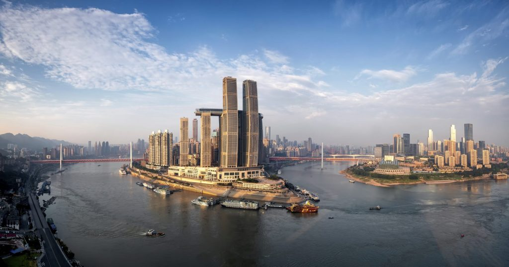 Una torre de Cristal horizontal de 300 metros de largo en Raffles City Chongqing 3