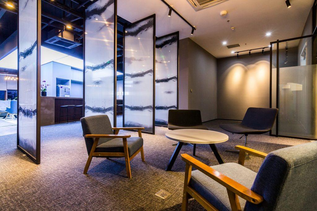 inDeco explora el futuro espacio de trabajo mediante diseño modular en las oficinas de Byton Nanjing 20