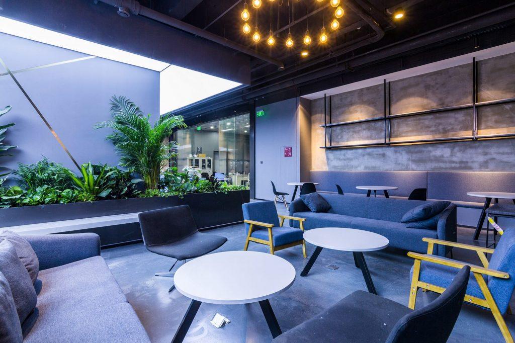 inDeco explora el futuro espacio de trabajo mediante diseño modular en las oficinas de Byton Nanjing 21