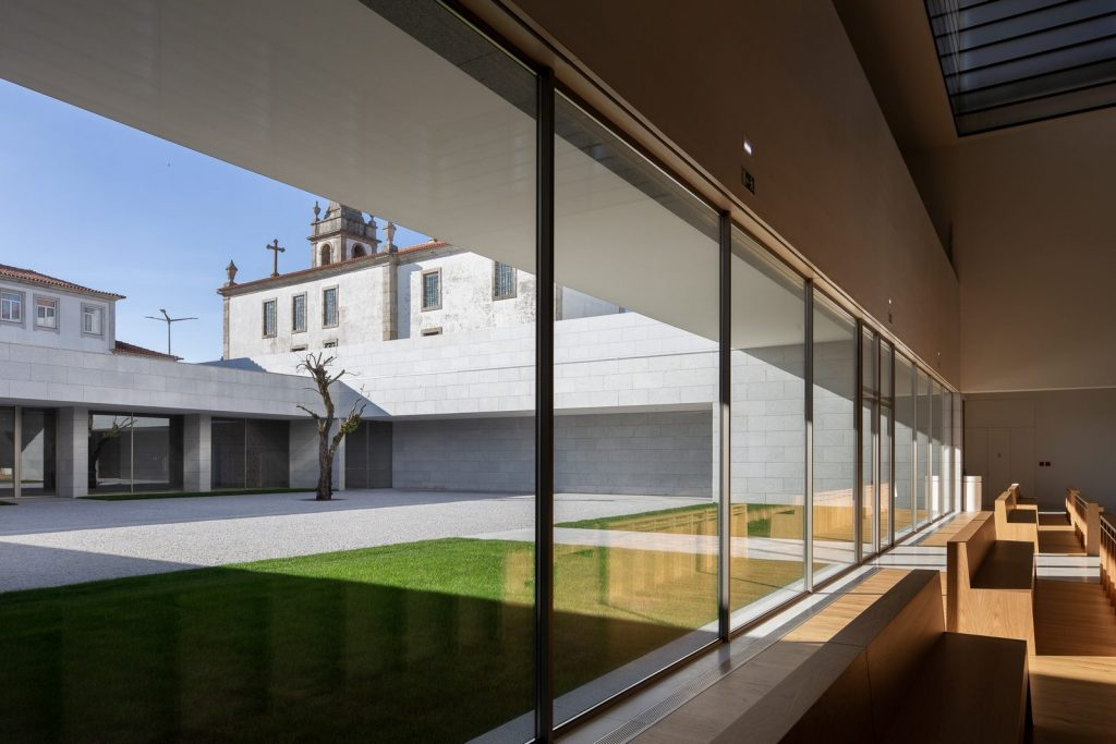 Iglesia Divino Salvador en Portugal 7