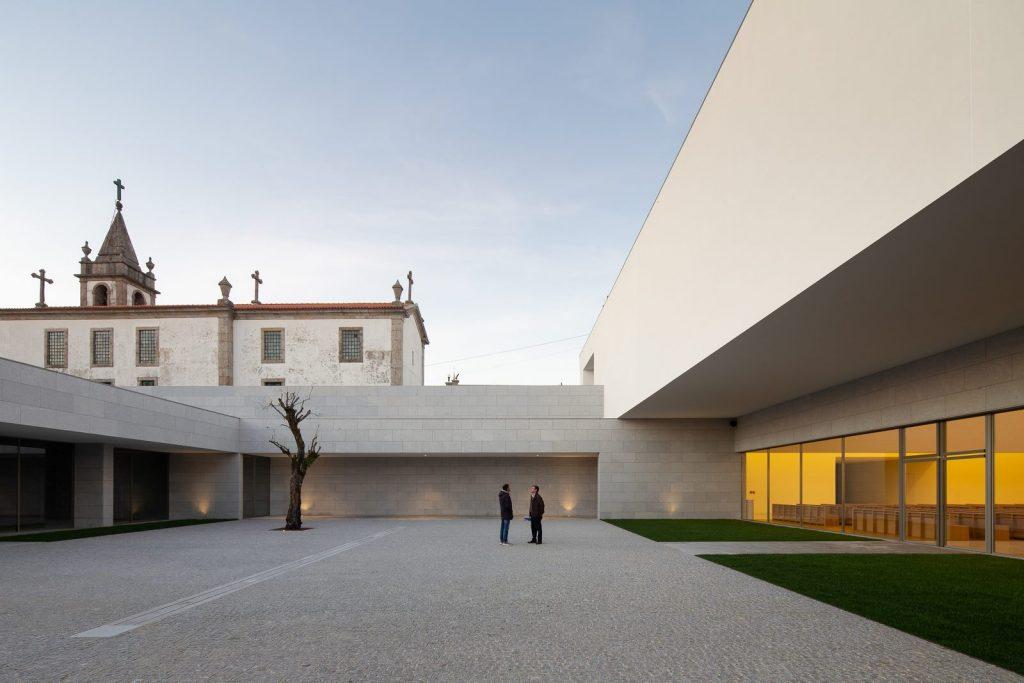 Iglesia Divino Salvador en Portugal 17