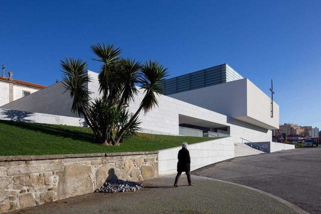 Iglesia Divino Salvador en Portugal 3
