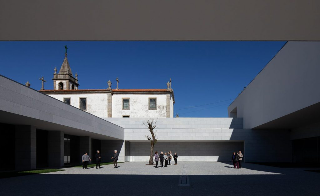 Iglesia Divino Salvador en Portugal 5