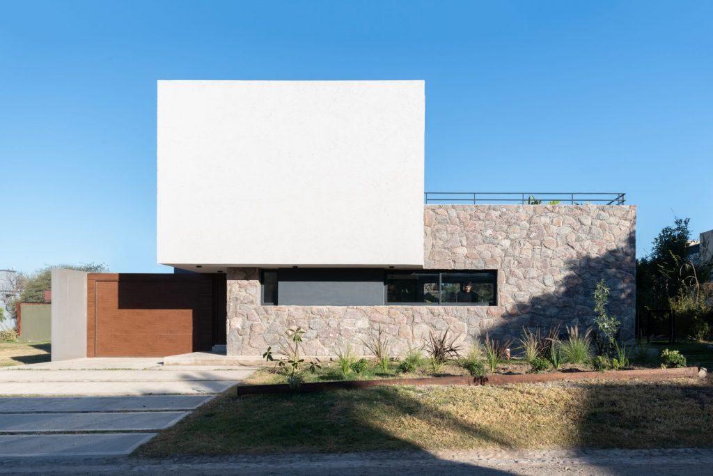 """Casa LVF en """"Villa Alende"""" 3"""