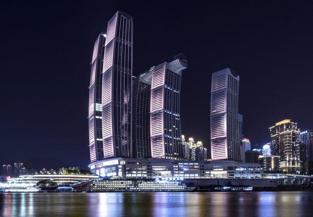 Raffles City Chongqing, Una proa sobre tierra 12