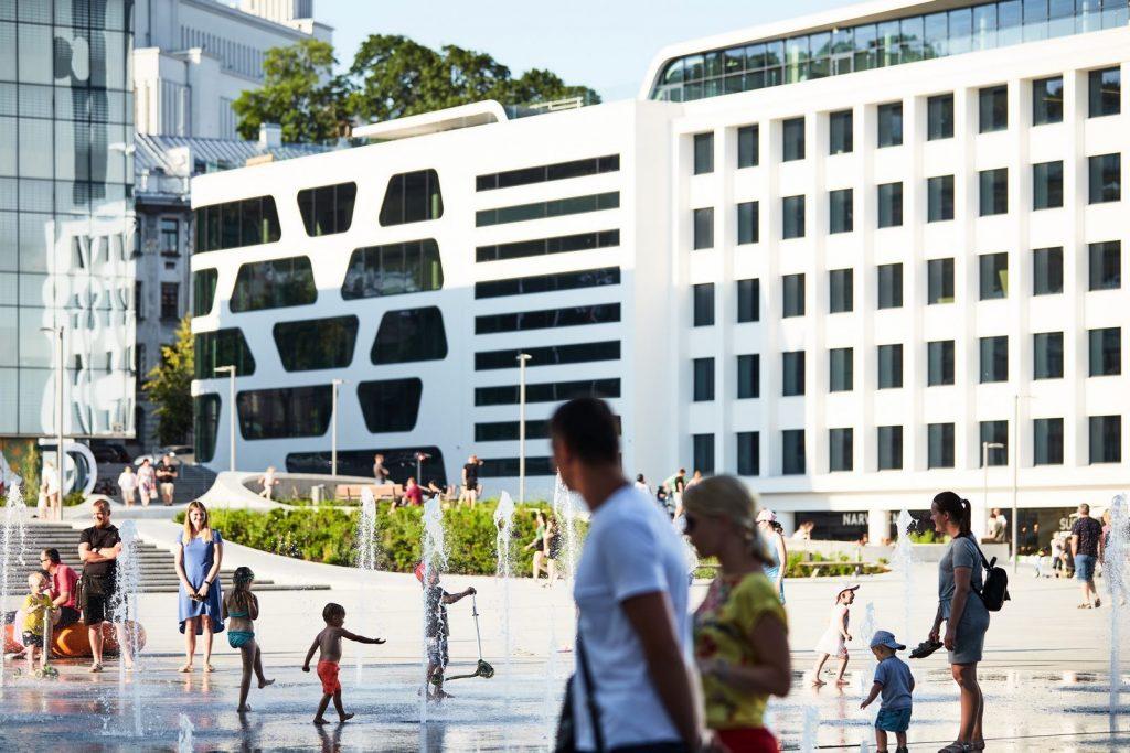 V-Plaza 11
