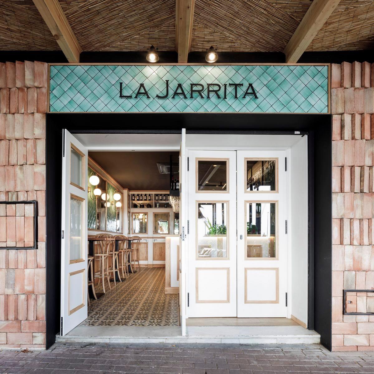 """La Jarrita"" 14"