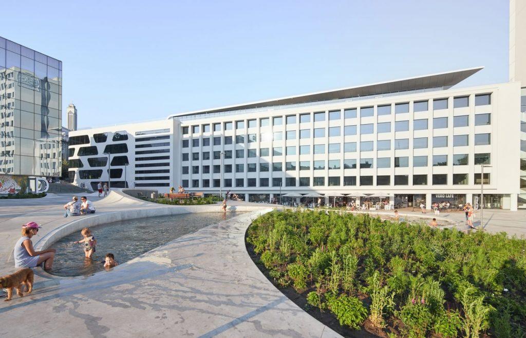 V-Plaza 17