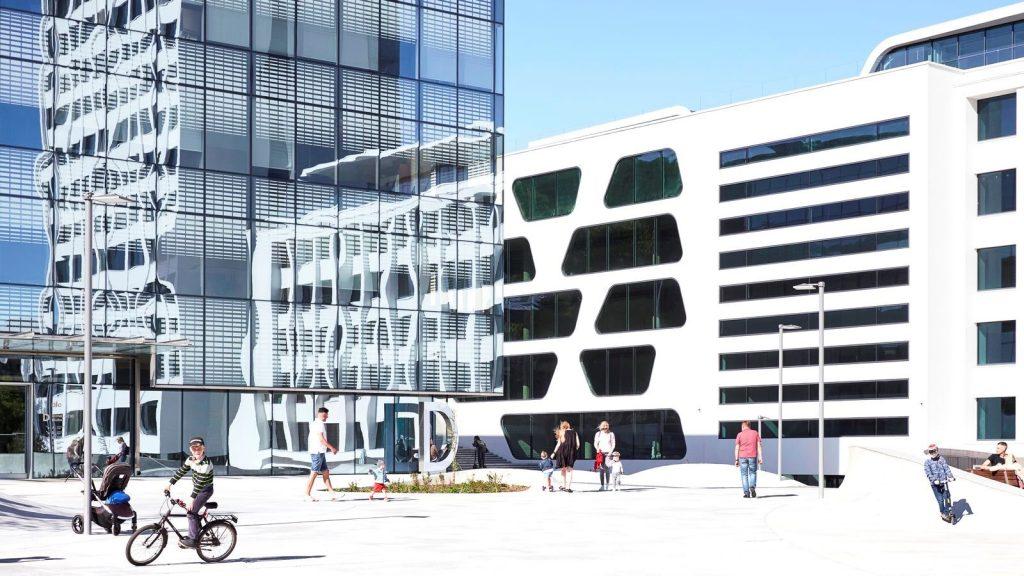 V-Plaza 16