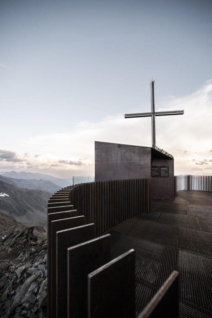 Pico Ötzi 3251m: Alcanzando la cima 8
