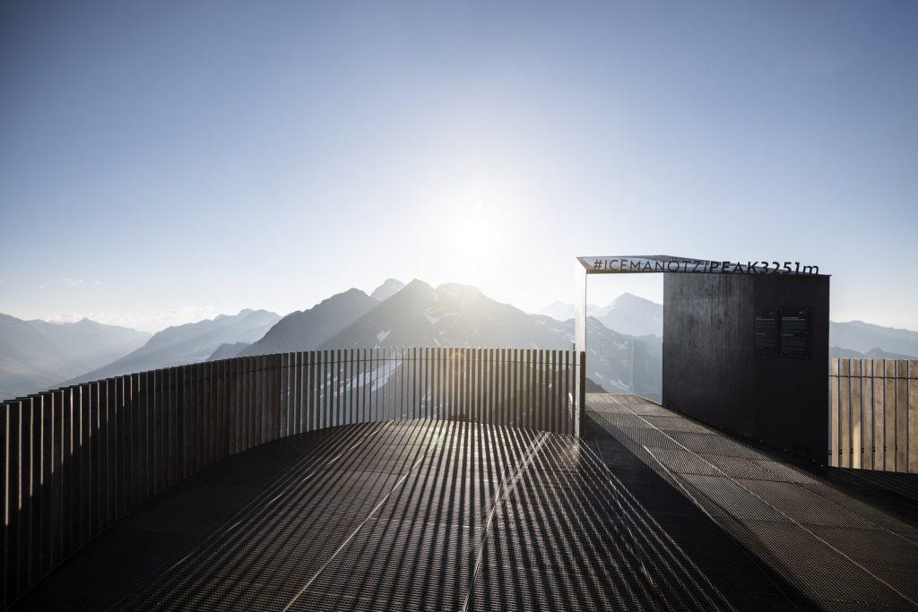 Pico Ötzi 3251m: Alcanzando la cima 6