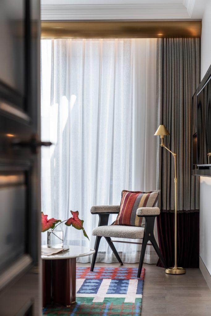 Hotel Blackstone M + 28
